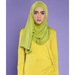 KAYRA SILKY SCARF IN PEAR