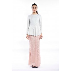HATIMA pastel embellishedwith lace skirt in Green Pink