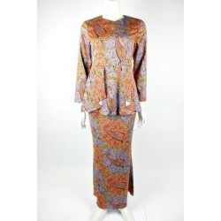 NUR cotton silk print kurung in Purple