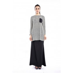 MAKAYLA printed kurung with plain pocket in White Black