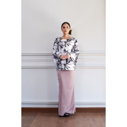 HETTY Printed Top W Bell Sleeves Kurung in Brown
