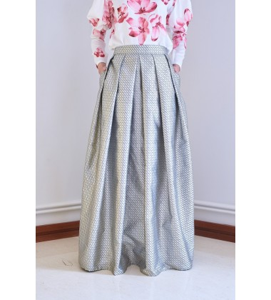 JAIYANA Printed Metallic Voluminous Skirt in Grey/Black