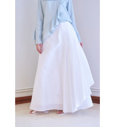 AMITY Structured Pleated Skirt in White