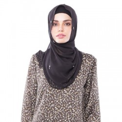 ZULEHA embellished shawl in Black