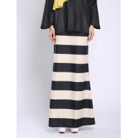 ADIENA straight cut skirt in Cream Black
