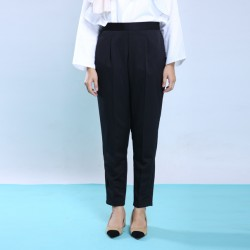 KYLEE slim cut pants in Black