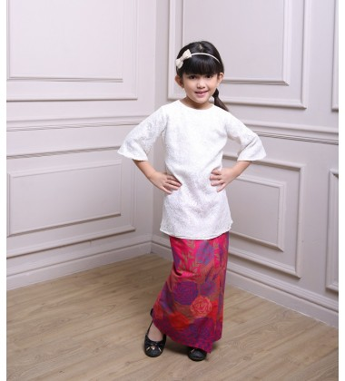 JIHAN Kids Lace and Cotton Batik Baju Kurung in White Pink